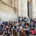 A las puertas de la Basílica